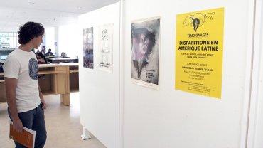 Se inauguró en la Universidad Nacional de Mar del Plata (UNMdP) una muestra en conmemoración de los 40 años del golpe cívico militar, bajo el lema 40 años, 40 libros, 40 afiches, 40 impresos