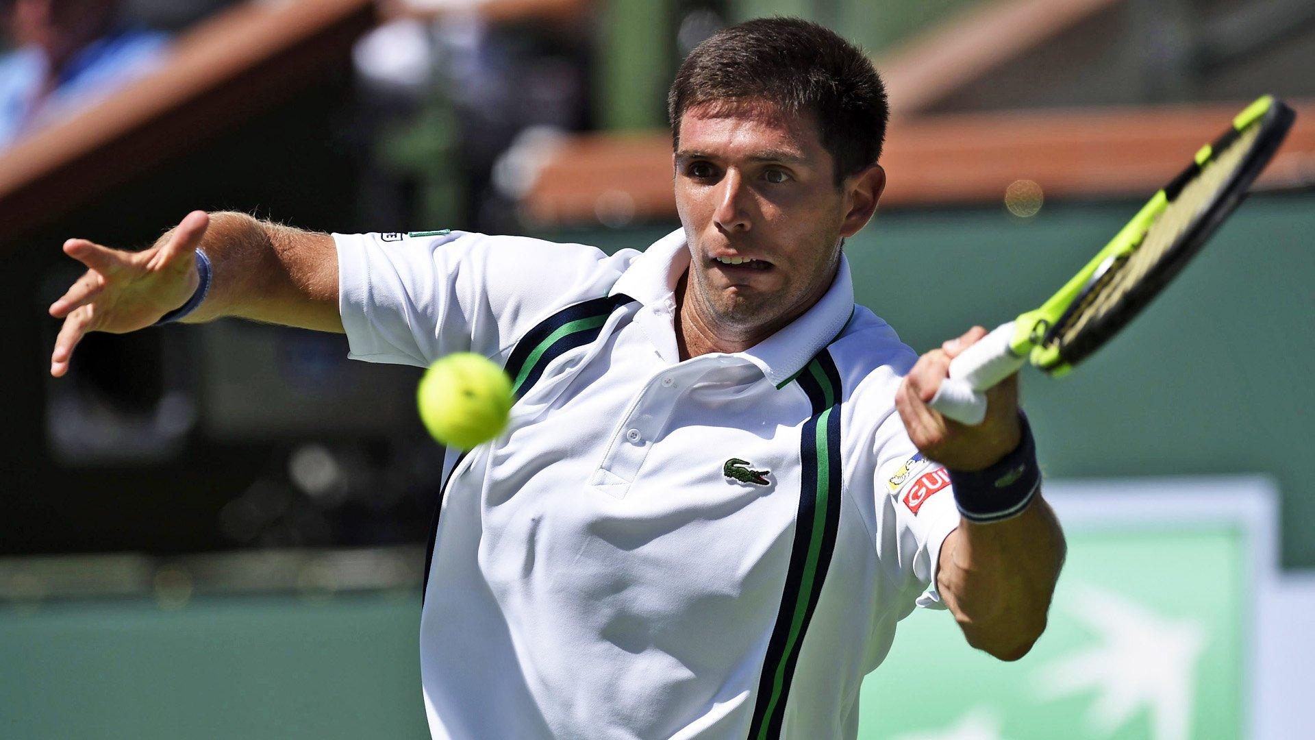 El argentino Federico Delbonis (53° del mundo) dio el gran batacazo de la jornada del Masters de Indian Wells al derrotar al británico Andy Murray, número dos del ranking, por 6-4, 4-6 y 7-6 (3)