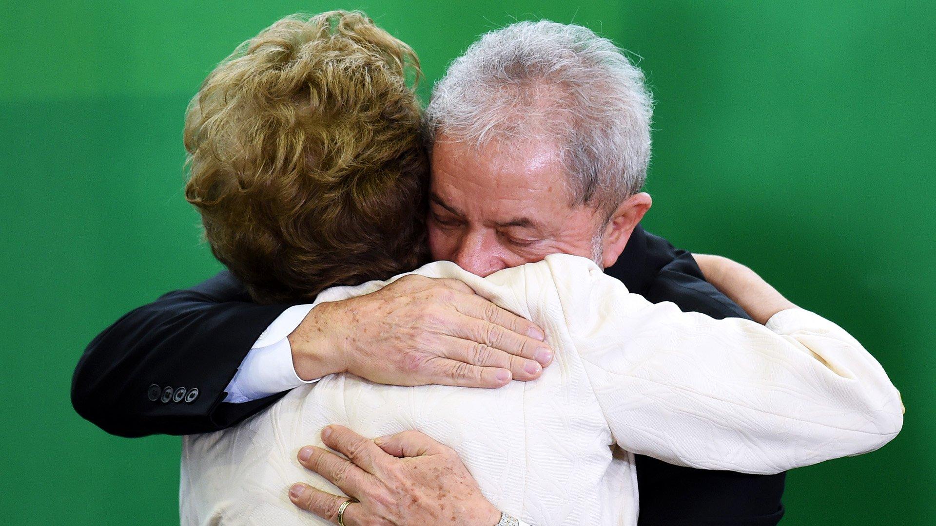 Lula da Silva juró como jefe de ministros de Dilma Rousseff, pero un juez suspendió la designación