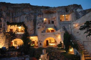 Beckham Creek Cave Haven:Es una cueva moderna con TV satelital, cocina, cinco habitaciones, incluyendo una suite de luna de miel y una sala de grabación. Se ubica enEstados Unidos