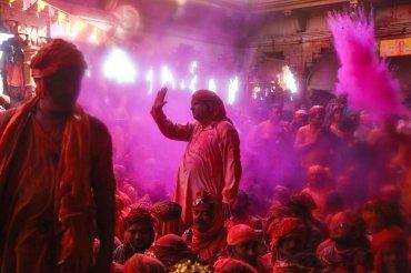Supuestamente el Holi se celebra el día 24, pero desde ya mismo los colores están inundando el país