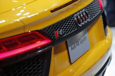 Los faros traseros del Audi R8 Spyder 2017 en detalle
