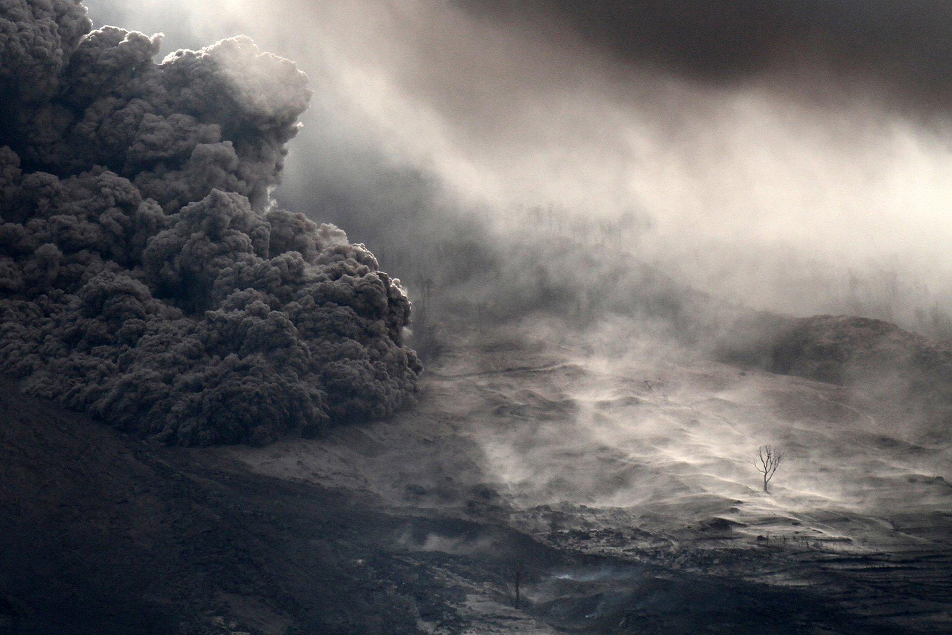 Ganador del Gran Premio: Lo que queda en las laderas del monte Sinabung, por Albert Ivan Damanik