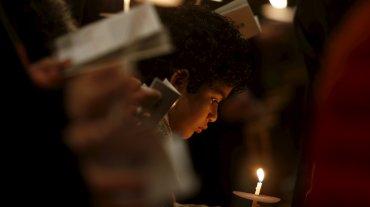 La Vigilia Pascual es una ceremonia que sucede cercana a la medianoche y  es el paso del Sábado Santo al Domingo Pascual donde se celebra la  resurrección de Jesús