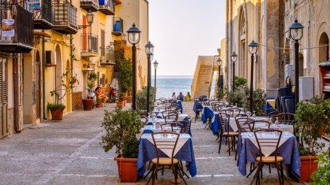 Cefalú se encuentra a una hora de la ciudad de Palermo.
