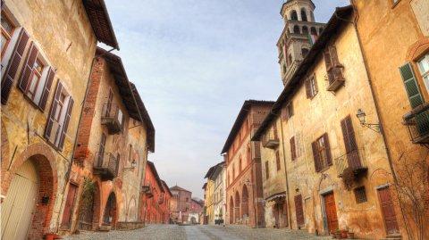 A una hora en auto de Turín se encuentra el pueblo estilo medieval de Saluzzo.
