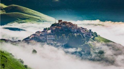 Castelluccio es un pueblito asentado a 1.452 metros sobre el nivel del mar.