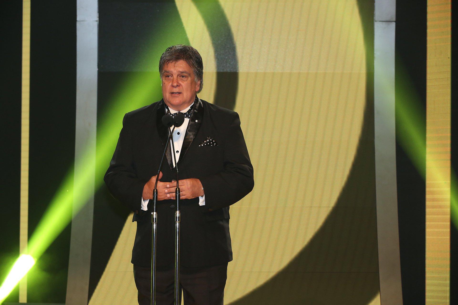 Luis Ventura, presidente de APTRA, al presentar la edición 2016 de los Martín Fierro