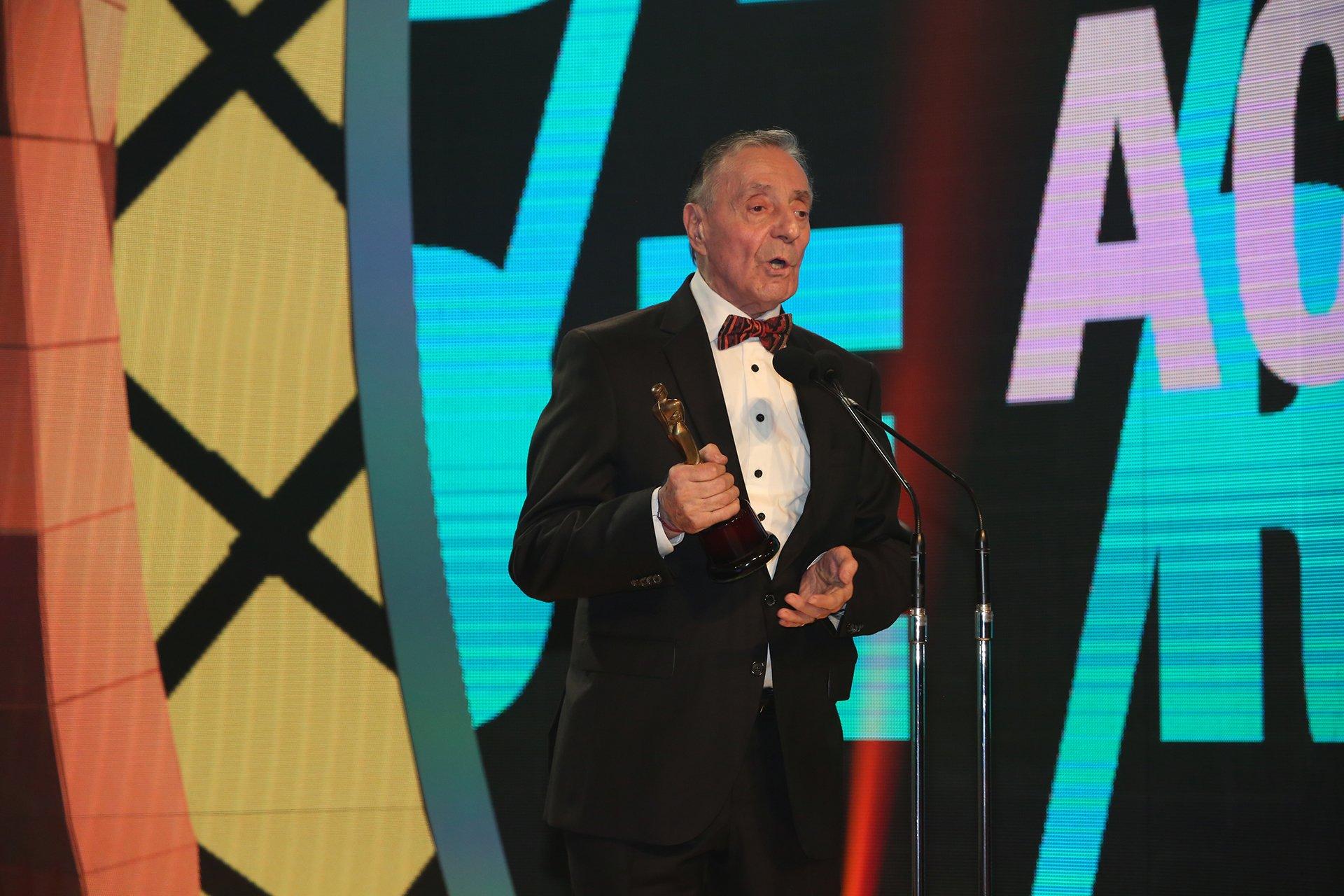 El humorista Tristán ganó el Martín Fierro 2016 en la categoría actor de reparto, por su trabao en Historia de un clan - Telefe