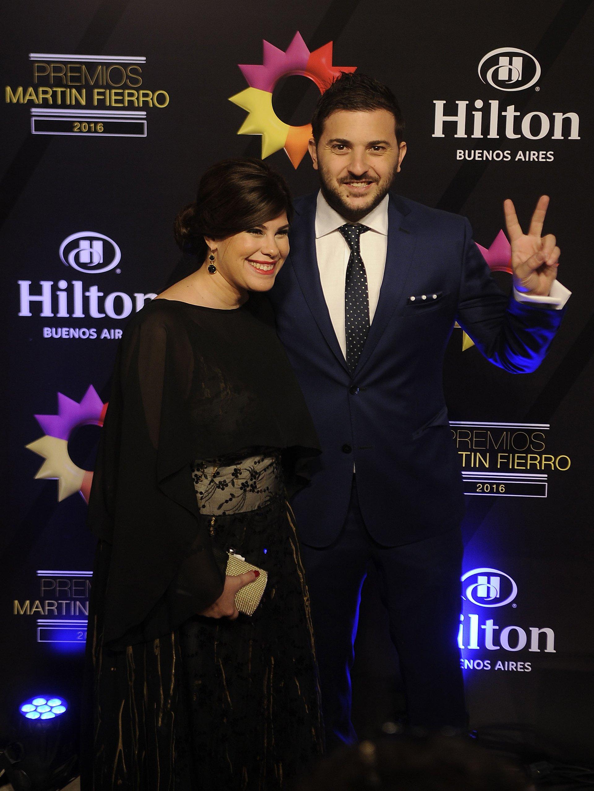 El periodista Diego Brancatelli junto a su esposa, también periodista Cecilia Insinga.