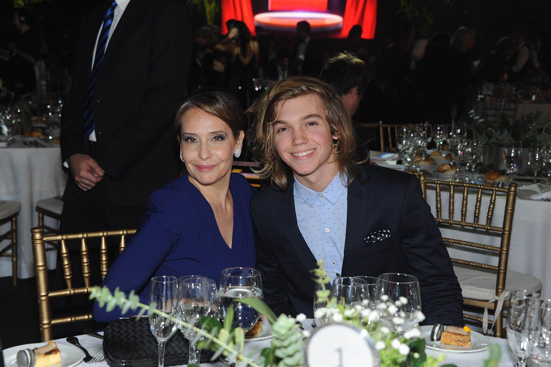 Gabriela Toscano y Franco Massini, en la noche de las estrellas de la televisión que organizó APTRA.
