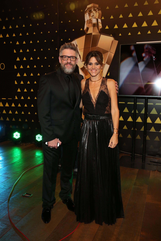 El periodista Luis Novaresio junto a su compañera del programa Desayuno Americano, María Freytes