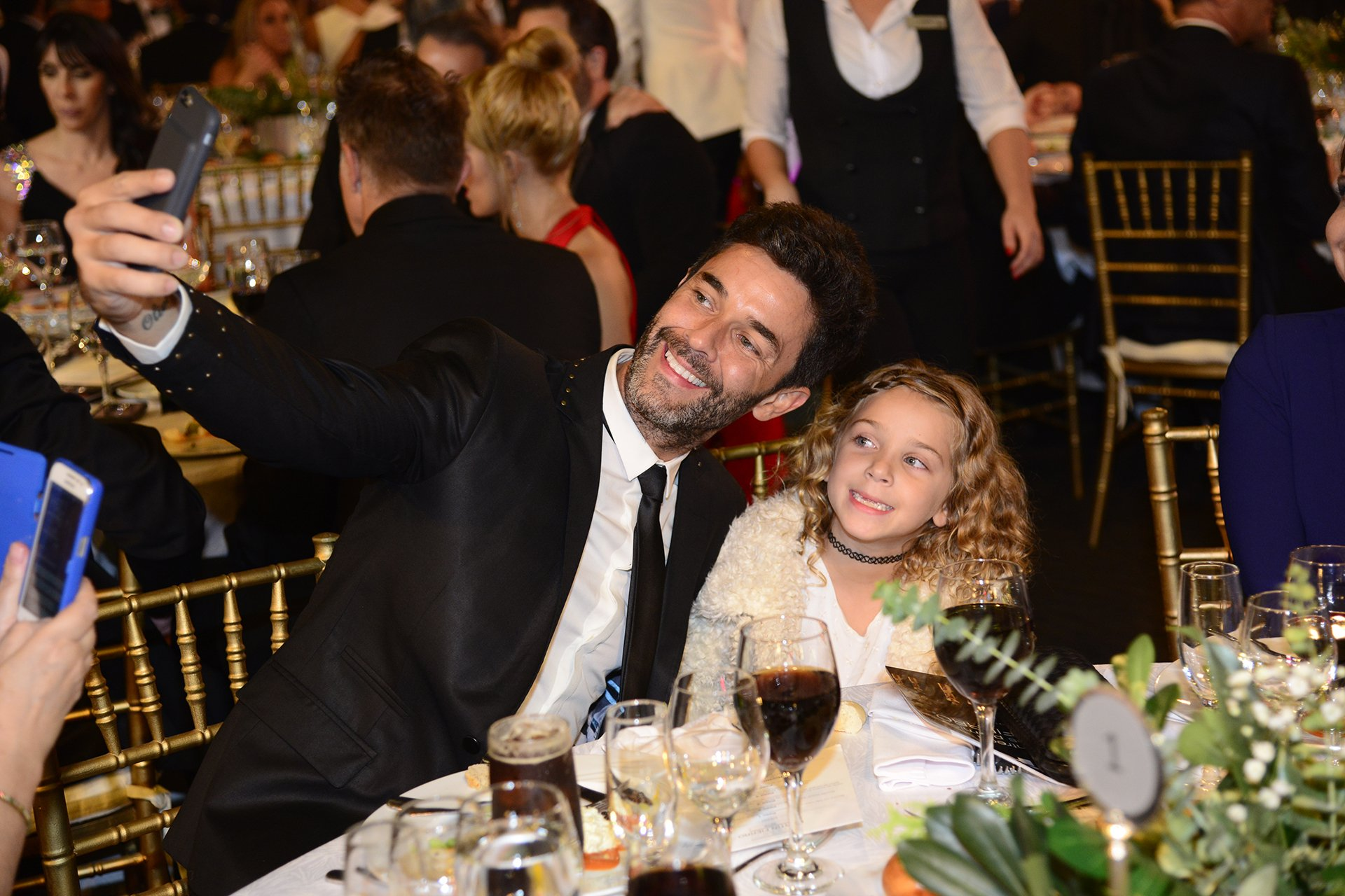 Selfie de Mariano Martínez y su hija