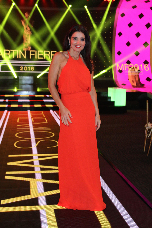 Verónica Varano, de las figuras de la televisión que más llamó la atención con su vestuario en la velada de Puerto Madero.